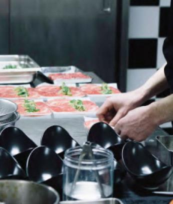 Préparation des plats.